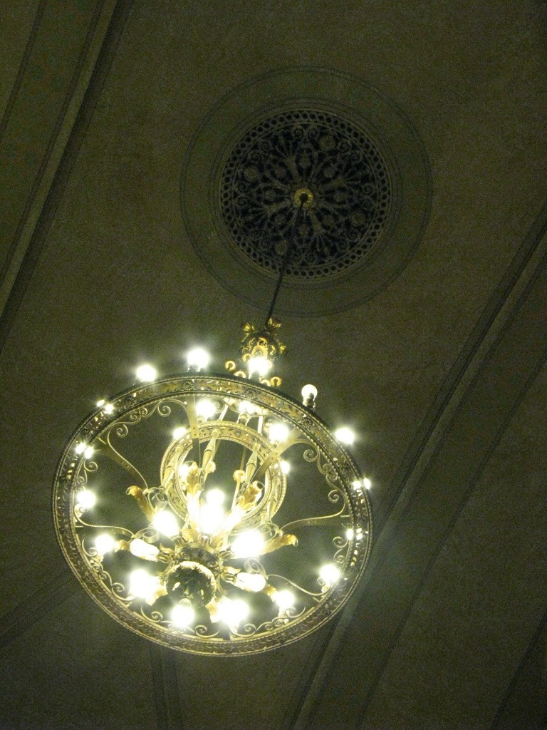 A chandelier at Sacramento Valley Station.